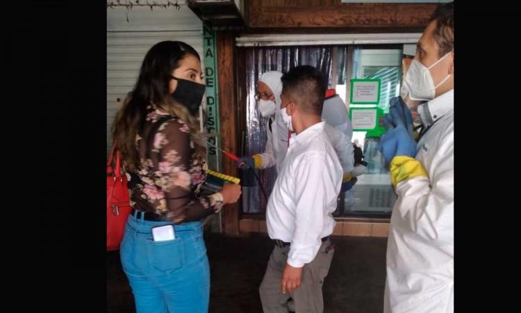 Mercado de Acatlán sanitizará sus instalaciones por supuesto brote de Covid