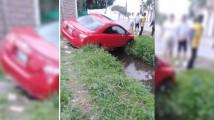 Cae auto en puente improvisado en Atlixco… es el sexto