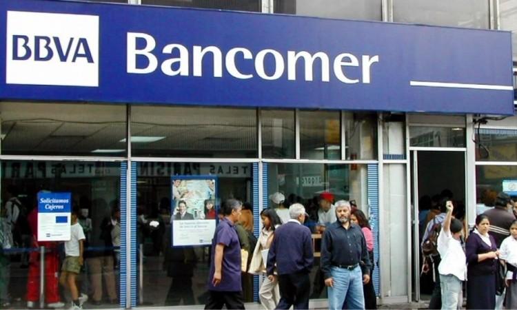 Delincuentes roban a carnicero antes de entrar a sucursal de Bancomer en Atlixco