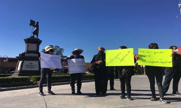 Protestan familiares y amigos de Jaqueline Juárez para exigir justicia por su asesinato