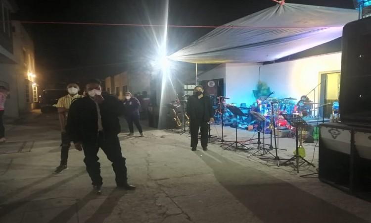 Covid-idiotas continúan las fiestas en San Andrés Cholula