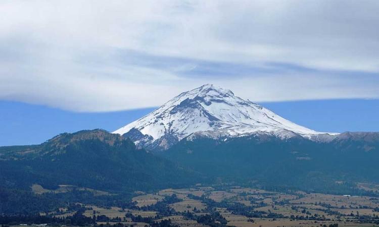 Alistan tradicional ritual al volcán Popocatépetl
