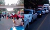 Bloquean carretera por desaparición de mujer poblana en Hidalgo