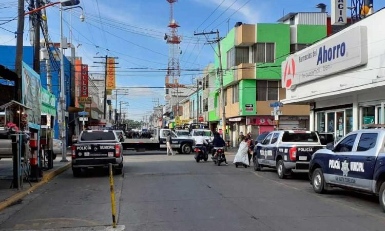 Operativos en Texmelucan contra ambulantes afectan al comercio formal
