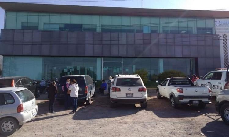 Roban a pobladores con engaños de créditos y programa de tarjeta Bienestar en Tecamachalco