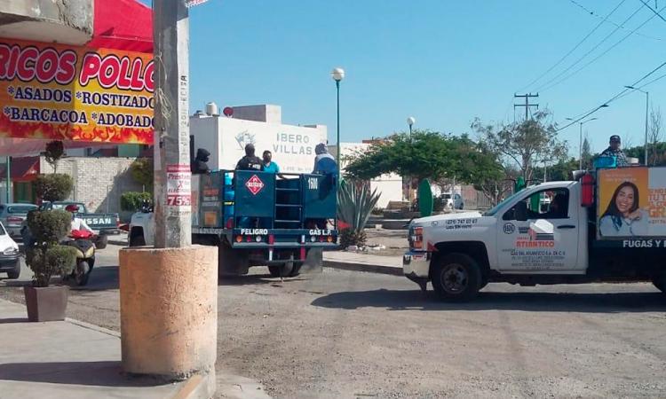 Protestan gaseros de Tehuacán y piden el retiro de repartidores foráneos