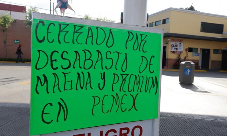 Pemex ofrece resolver el desabasto de gasolina esta semana