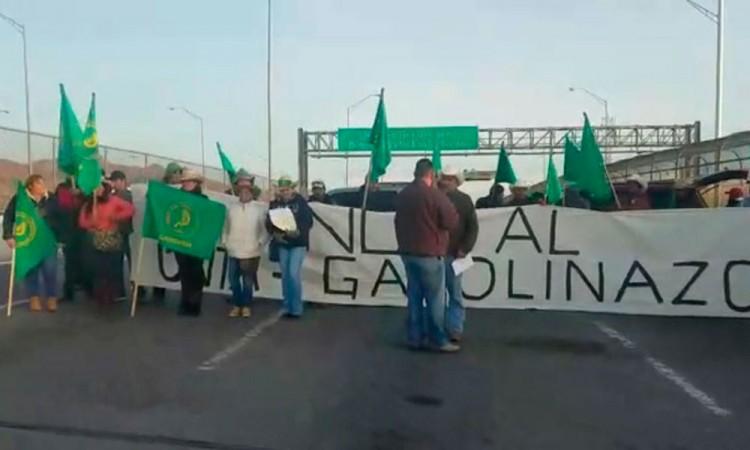 Bloquean puente internacional en la frontera por gasolinazo