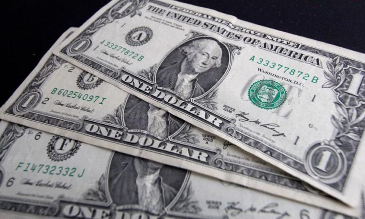 Dólar alcanza máximo histórico de 22 pesos