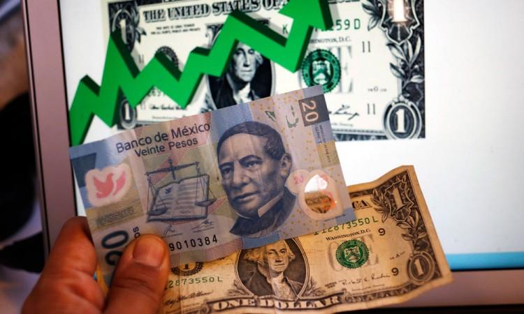 Llega dólar a 21.90 pesos