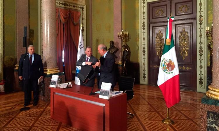 Tardó México en aplicar incremento a precio de gasolina, OCDE