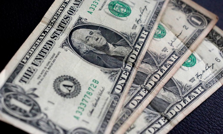 Baja precio del dólar tras la asunción de Trump