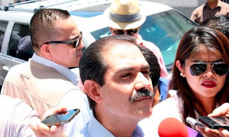 Inicia Guillermo Padrés una huelga de hambre