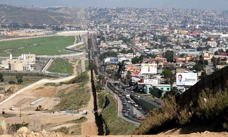 Pagar el muro es inaceptable: Videgaray