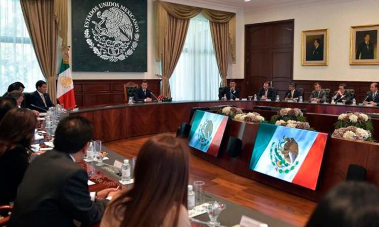 Destina Peña Nieto mil mdp a consulados de México en EU