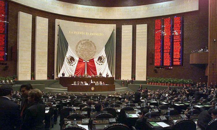 Plantea PAN reducción de 132 legisladores federales