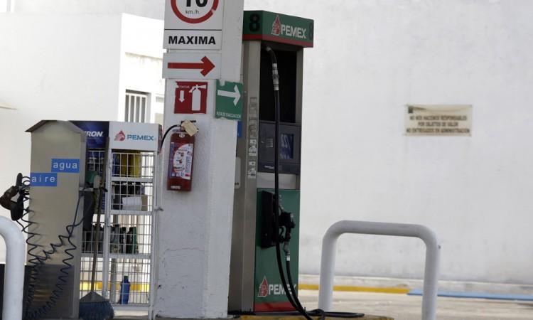 Reducen un centavo el precio de la gasolina