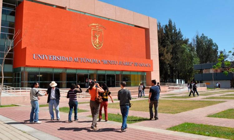 Estalla huelga en universidad de Oaxaca