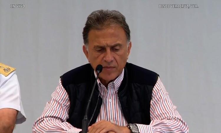 Exhiben al gobernador de Veracruz con un reloj de 6 mdp