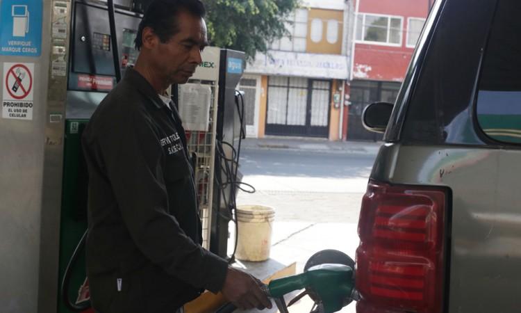 Niega SHCP aumento del precio de la gasolina