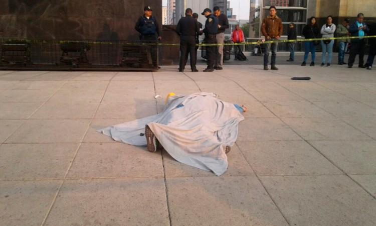 Muere al caer desde la cúpula del Monumento a la Revolución