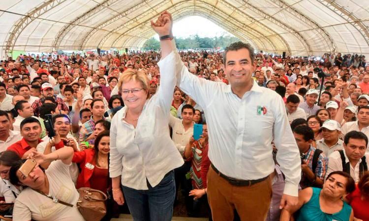 Llama líder del PRI prietos a militantes de Morena