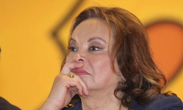 Limitan visitas y comunicaciones a Elba Esther Gordillo