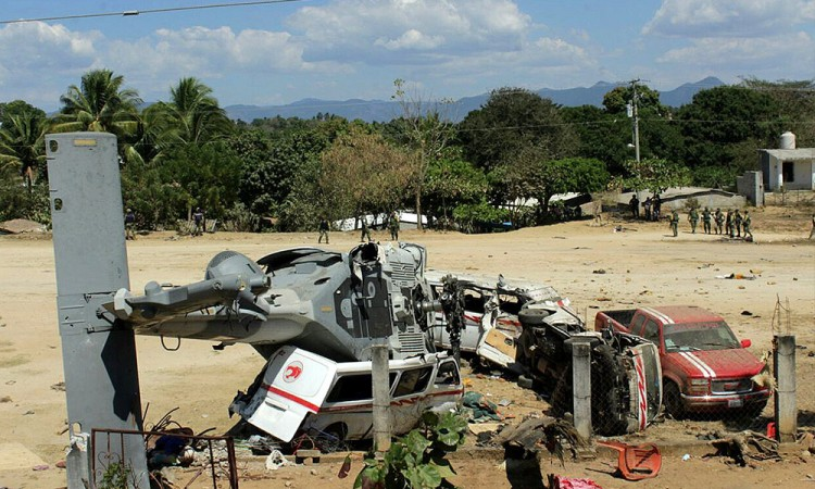 Sube a 14, muertos por desplome de helicóptero en Oaxaca