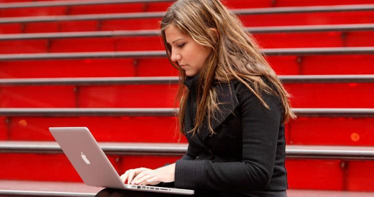 6 Profesiones que te permitirán trabajar por Internet