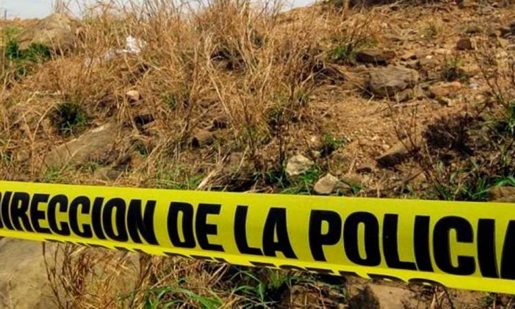 Hallan muerta a niña en Chalco, vecinos buscan al presunto asesino