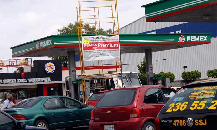 Hay suficiente gasolina para atender la demanda: Pemex