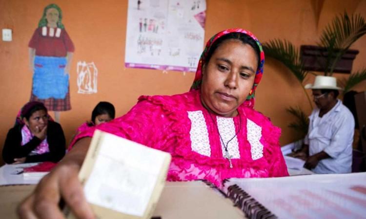 Presidentas renuncian a su cargo en Oaxaca para cederlo a hombres