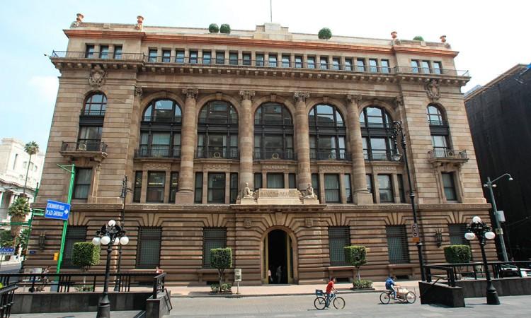 Banxico prevé recuperación modesta del crecimiento para 2020