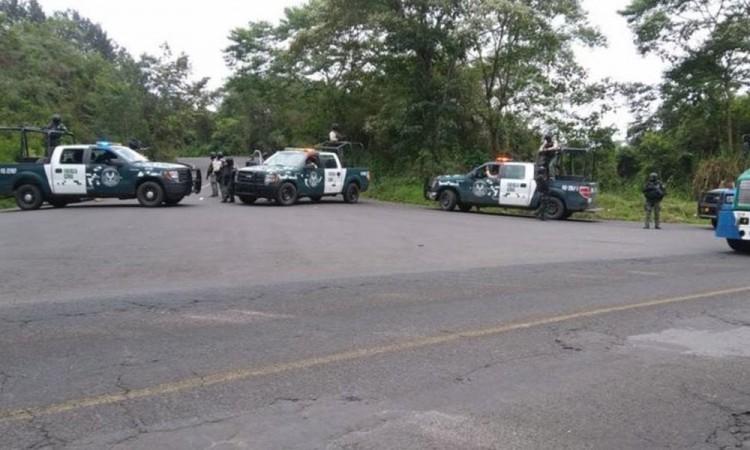 Cuatro agentes y tres civiles mueren tras balacera en Veracruz