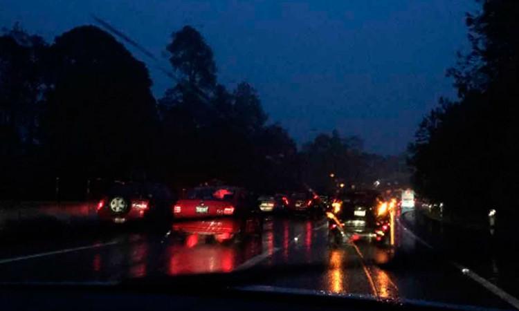 Autobús se impacta con tráiler en la México-Cuernavaca