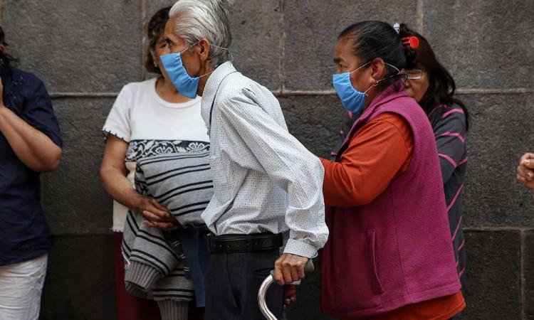 Estima IMSS que 61 mil mexicanos se contagiará de COVID-19