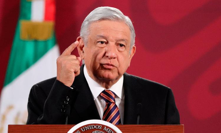 México reducirá 100 mil barriles diarios tras pactar con Trump y con la OPEP