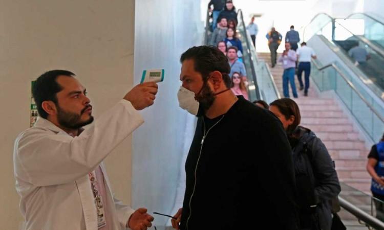 México suma 4,661 casos de COVID-19 y 296 muertos
