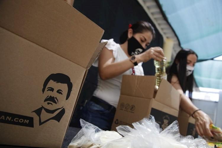 Narco aprovecha pandemia para entregar despensas del Chapo