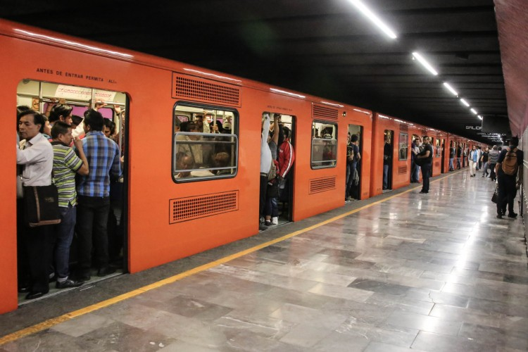 CDMX busca estrategias para evitar aglomeraciones en el metro