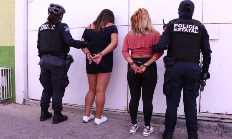 Detienen a mujeres que agredieron a enfermera en Querétaro