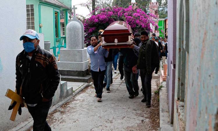 México estima hasta 8 mil muertos por COVID-19