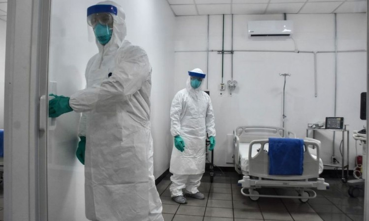 En CDMX, una pareja que agredió a enfermera ya fue detenida