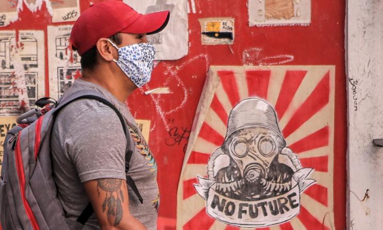 COVID-19: Suman 13 mil 842 contagios y mil 305 fallecidos en México