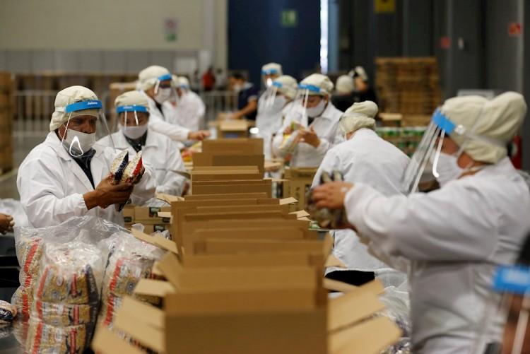 Centro de eventos en México se transforma en banco de alimentos por COVID-19