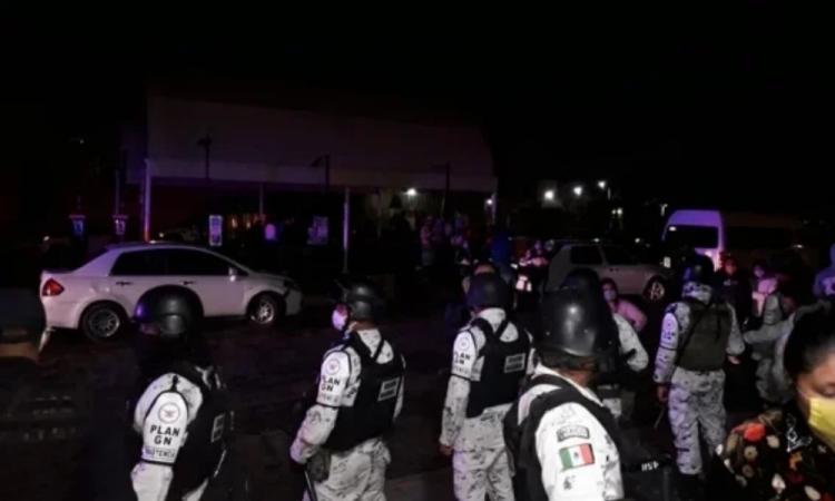 Irrumpen en Hospital de Ecatepec; exigen información de enfermos