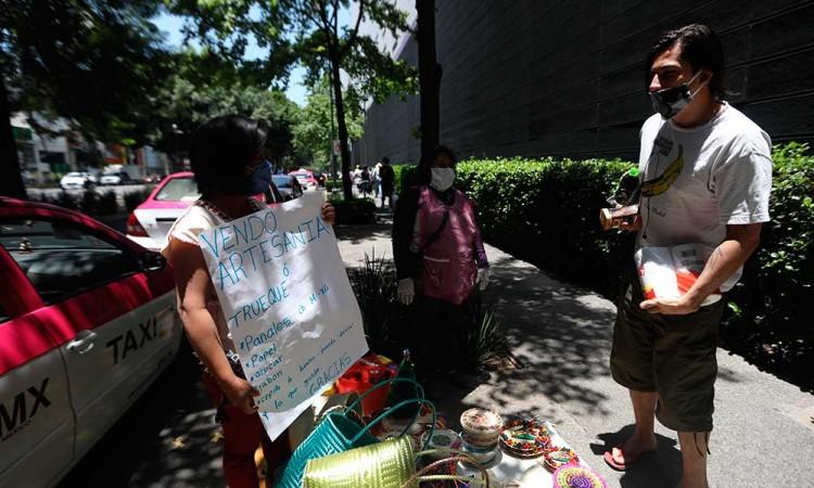 Mexicanos reactivan el trueque ante pandemia