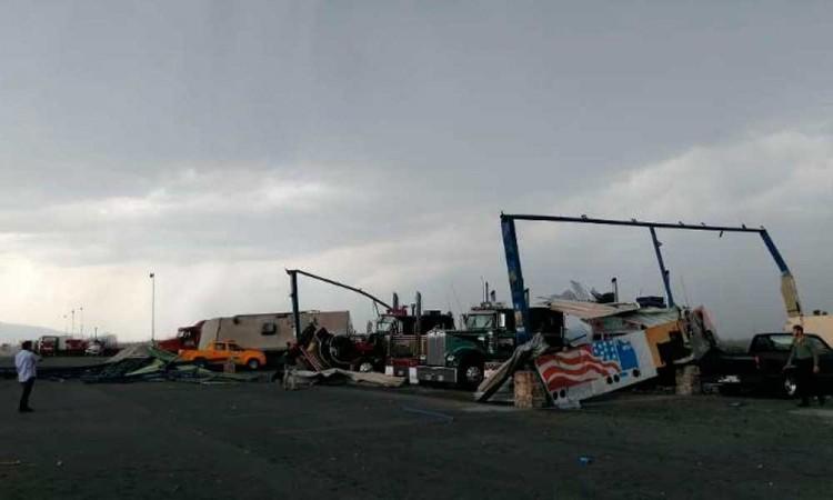 Tornado mata dos personas en Apodaca, Nuevo León