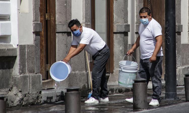COVID-19: México supera los 2 mil casos en un solo día