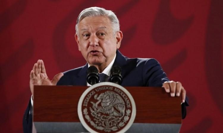 López Obrador dice que está domando pandemia y acusa campaña en su contra